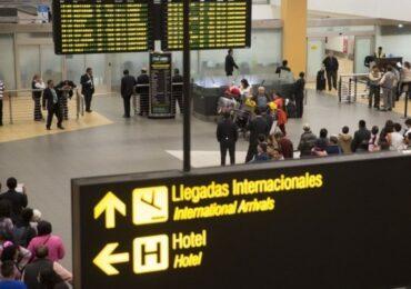 Prorrogan  hasta el 30 de setiembre suspensión de vuelos procedentes de Sudáfrica
