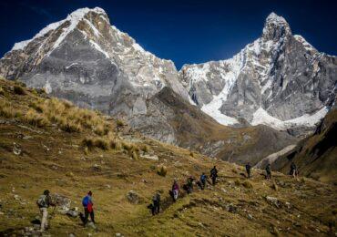 Sumérgete en los deslumbrantes paisajes de la Cordillera de Huayhuash